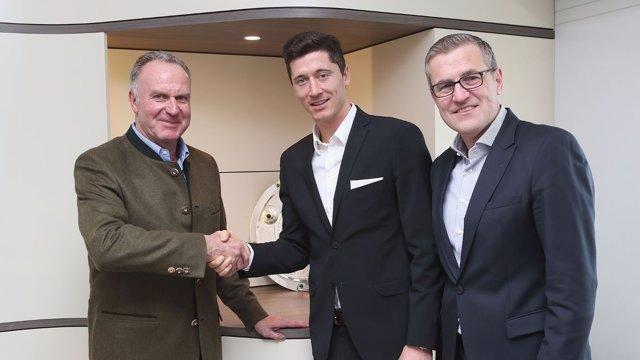 Rummenigge y Lewandowski sellan el acuerdo