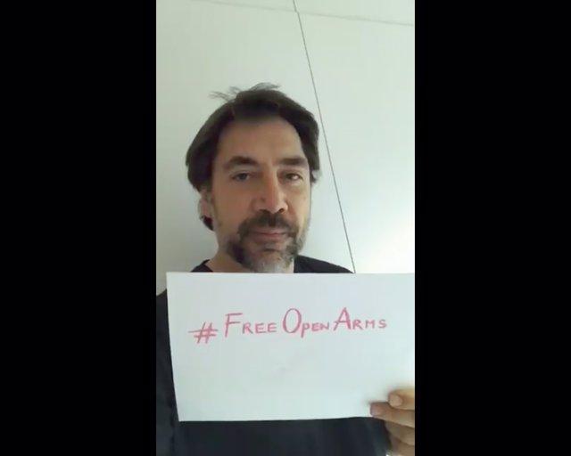 El actor Javier Bardem en apoyo a la ONG Proactiva Open Arms