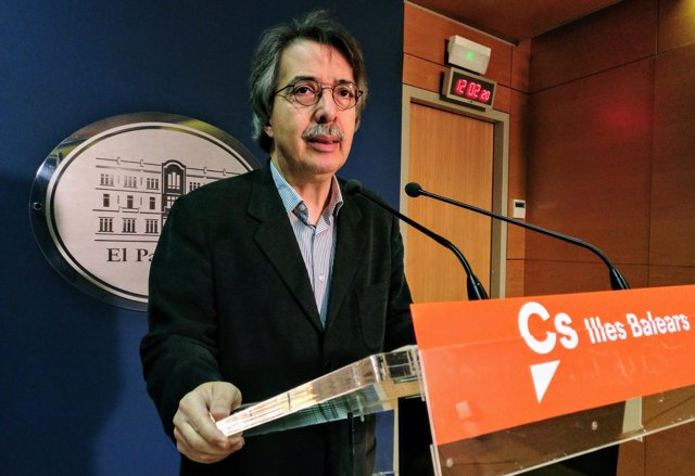 El Portavoz De Cs, Xavier Pericay.
