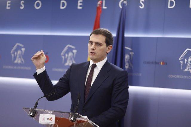 Rueda de prensa del líder de Ciudadanos, Albert Rivera, en el Congreso