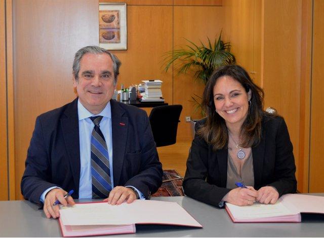 Firma entre el CGCF y la Fundación Luzón