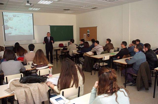 Curso sobre conocimientos financieros básicos enmarcado en el proyecto Edufinet.