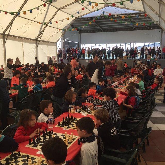 La Carpa de Actividades Múltiples ha acogido las distintas partidas de ajedrez.