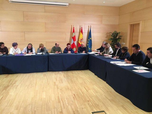 Valladolid.- Reunión de las plataformas con los partidos políticos (26/318)