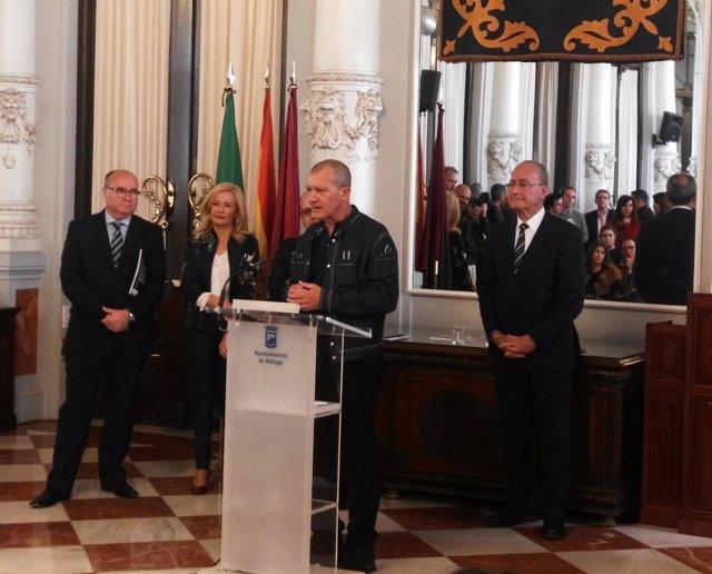 Antonio Banderas en un acto de la Fundación Lágrimas y Favores
