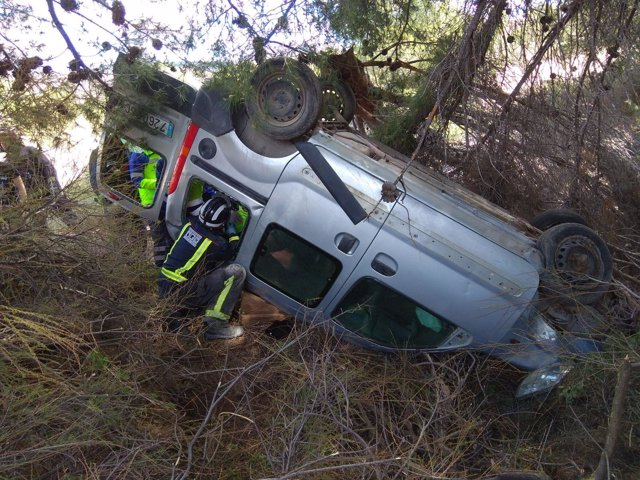 Imagen de la furgoneta siniestrada en Lorca