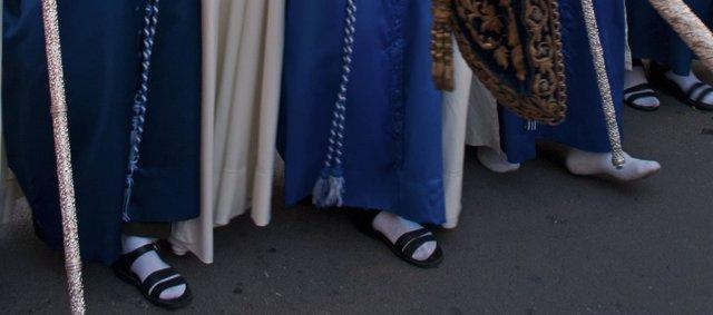 Podólogos andaluces recomiendan prevenir para evitar lesiones en las procesiones