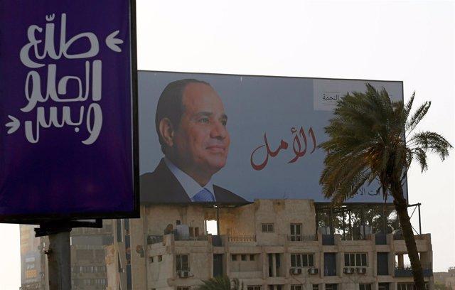 Cartel con la imagen de Abdelfatá al Sisi