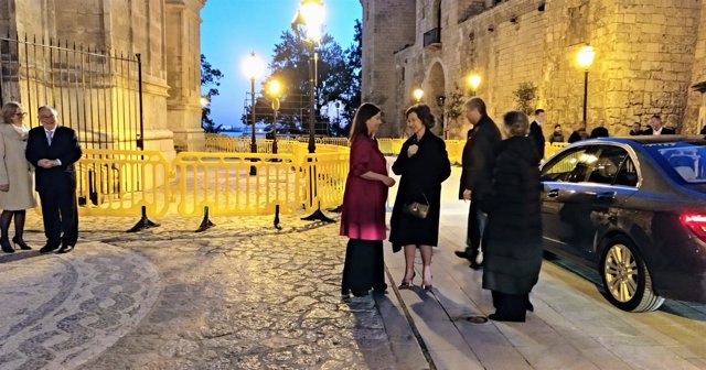 La Reina Sofía Es Recibida Por Armengol En Palma