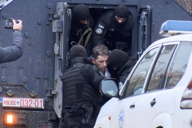 El jefe de la oficina serbia para Kosovo, Marko Djuric, detenido en Kosovo