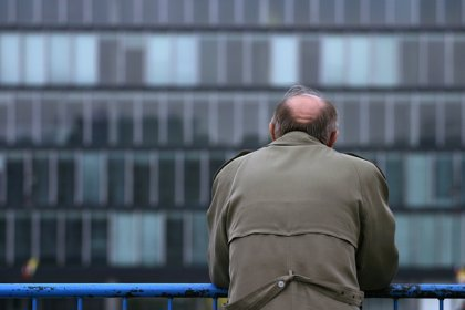 ¿Puede la soledad aumentar el riesgo de ictus?