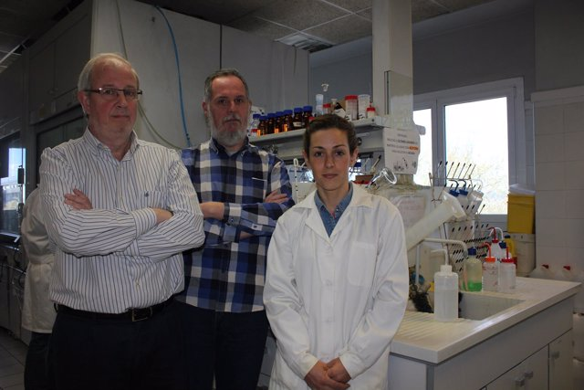 Investigadores de la UPV que han encapsulado un péptido contra el cáncer