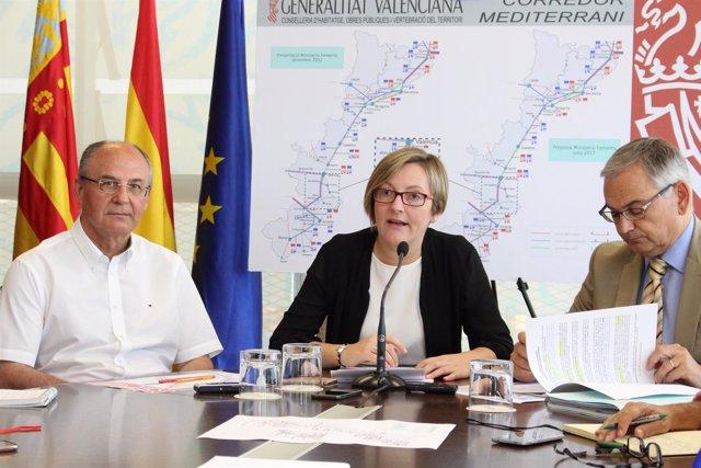 María José Salvador durante el desayuno informativo sobre Corredor Mediterráneo