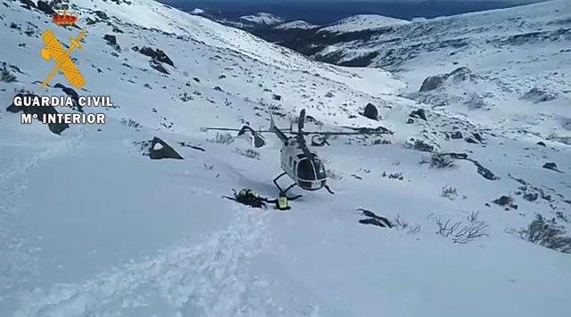 Rescate de un montañero en el pico Valdecebollas. 27-3-2018