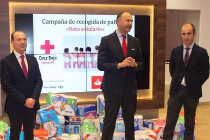 Banco Santander se une a Cruz Roja en su recogida solidaria de pañales en Valladolid
