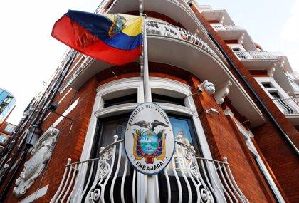 """Un miembro del Gobierno británico insta al """"gusano miserable"""" de Assange a entregarse"""