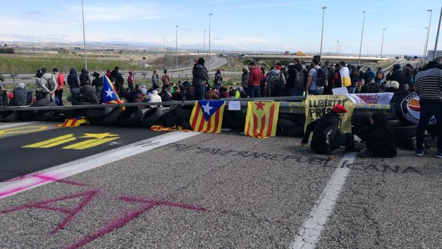 Corte de la A-2 en Soses (Lleida) la mañana del martes