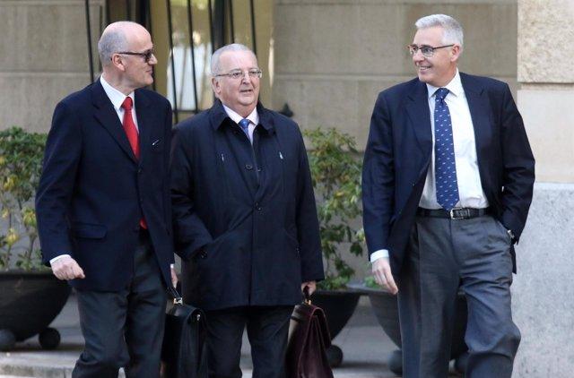 El exconsejero de la Junta Antonio Fernández llega al juicio de los ERE