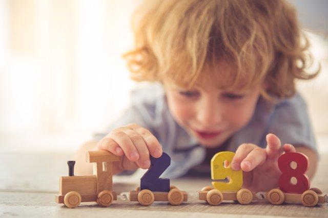 Los juguetes tienen una gran importancia en el desarrollo del niño.