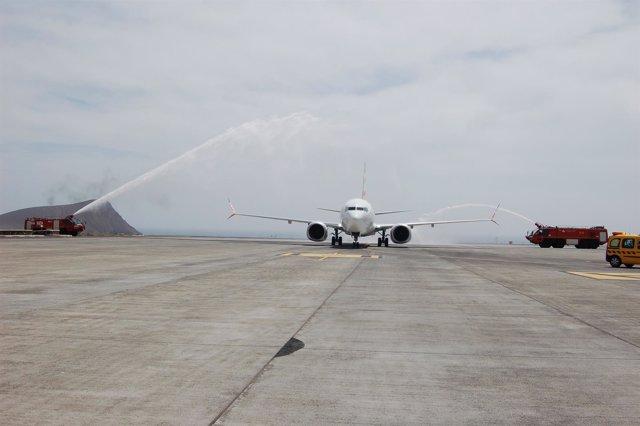 Llegada del vuelo procedente de Tel Aviv a Tenerife Sur