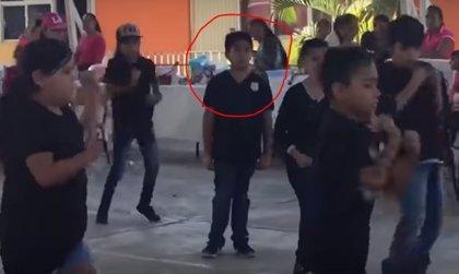 Un niño mexicano se niega a bailar 'Scooby doo papa' con sus compañeros y desata risas en las redes sociales