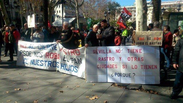 Protesta de los vendedores del Charco de la Pava