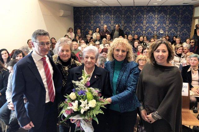 Tezanos en entrega Premio Mujer del Año Campoo