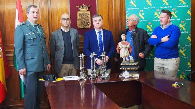 Presentación de antigüedades recuperadas por la Guardia Civil
