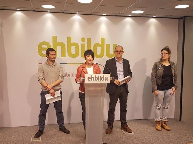 Maddalen Iriarte y representantes de EH Bildu