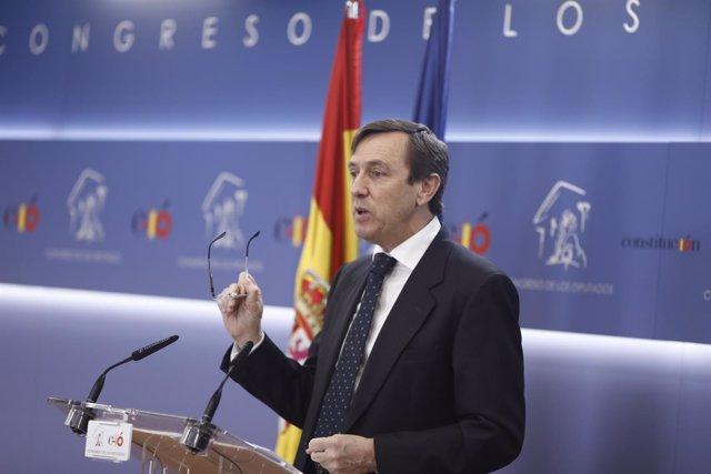 Rueda de prensa del portavoz del PP, Rafael Hernando, en el Congreso