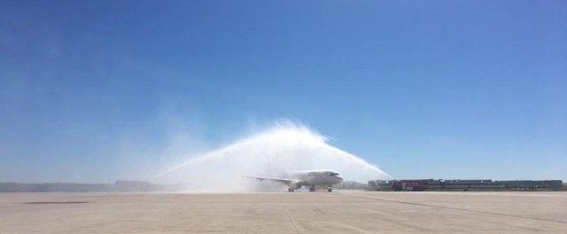 Inauguración del vuelo con conexión a A Coruña