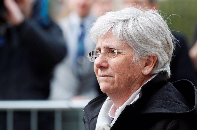 Clara Ponsatí se entrega a la policía escocesa