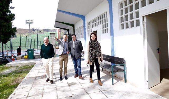 Mañanes inaugura los vestuarios del complejo deportivo de Los Corrales