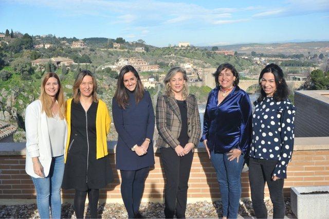 Las diputadas del PP C-LM Agudo, Guarinos, Roldán, Merino, Arnedo y Alonso