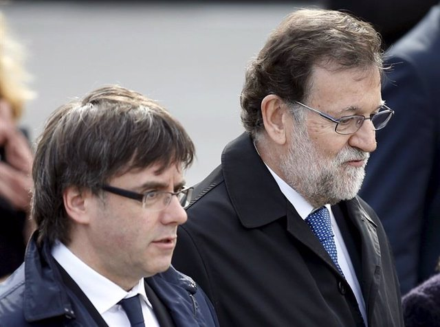 Rajoy y Puigdemont / Archivo