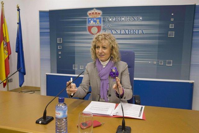 Eva Díaz Tezanos en rueda de prensa
