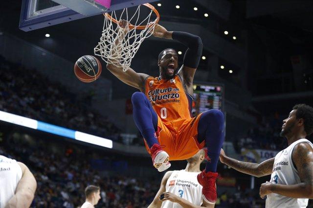 Will Thomas machaca en el Real Madrid - Valencia Basket