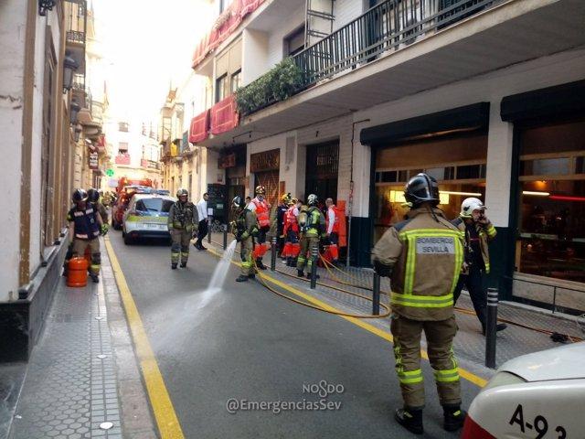 Incendio en la calle Amor de Dios de Sevilla