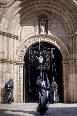Imagen de la Cofradía de las Exclavas de la Virgen de Dolores