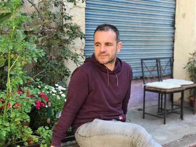 El Periodista Y Autor Jordi Llavina