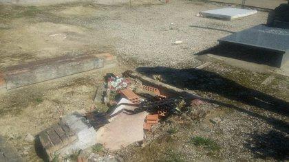 """Vecinos de Bailén (Jaén) volverán a manifestarse por """"un cementerio parroquial digno y sin abusos"""""""
