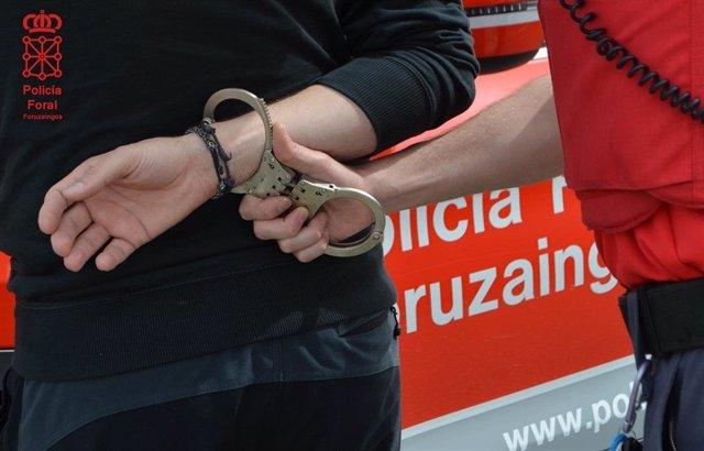 Imagen de archivo de una detención por Policía Foral.