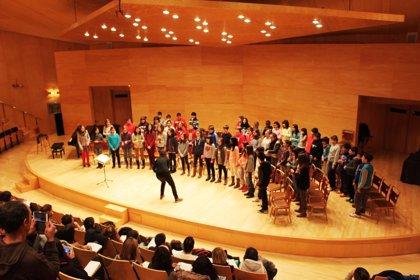 """Cerca de 4.400 alumnos de 99 centros interpretarán la cantata """"Partículas"""""""