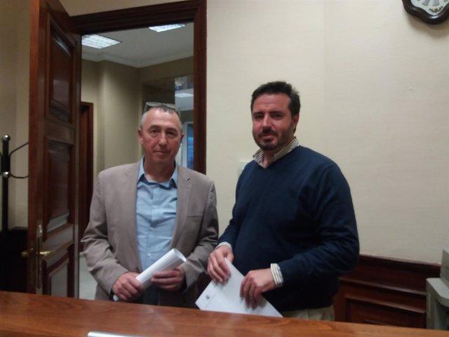 Joan Baldoví y Herick Campos en el registro del Congreso
