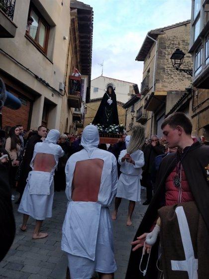 S.Santa.- La 'Procesión del Vía Crucis' de San Vicente de este viernes ha contado con ocho 'picaos'