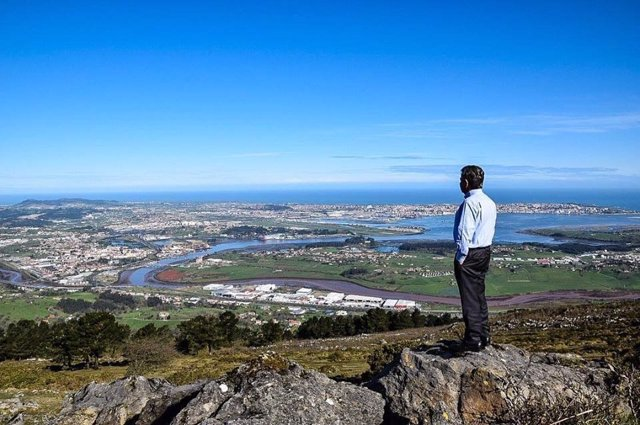 Revilla, en Peña Cabarga, en una jornada soleada en Cantabria