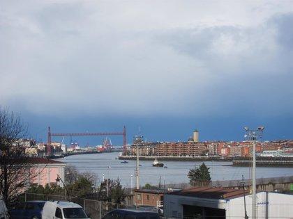 Cielo muy nuboso con chubascos por la mañana y mejoría por la tarde, este sábado en Euskadi