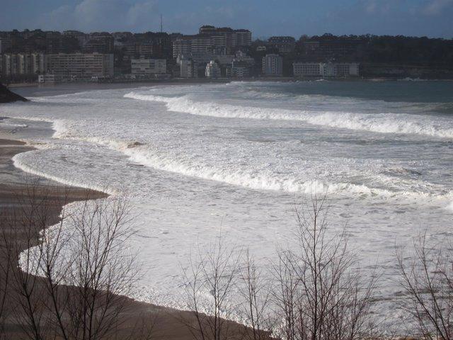 Olas. Oleaje. Mar. Marea. Pleamar. Temporal. Aviso. Alerta. Santander. Cantabria