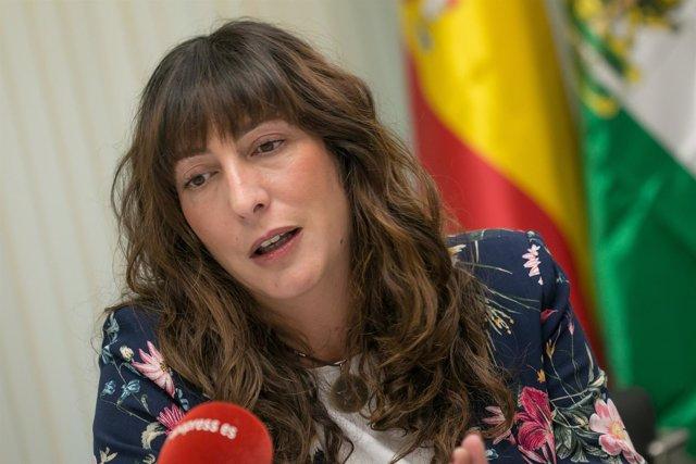 La secretaria general del PP-A, Loles López, durante la entrevista