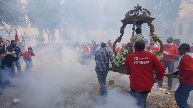 Procesión de los petardos de Cúllar Vega (Granada)